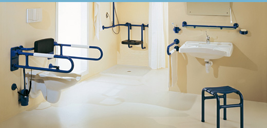 Bagno per disabili con doccia [tibonia.net]